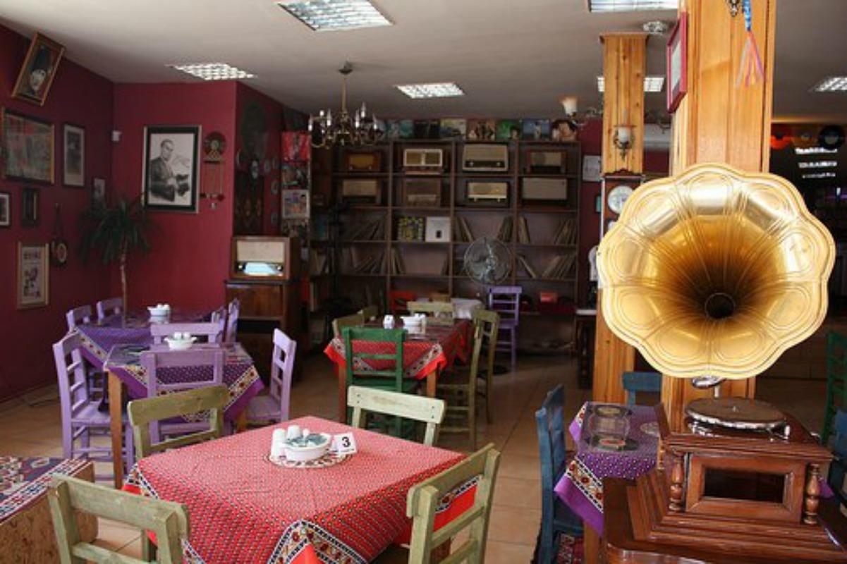1- Gramafon Cafe, Altındağ