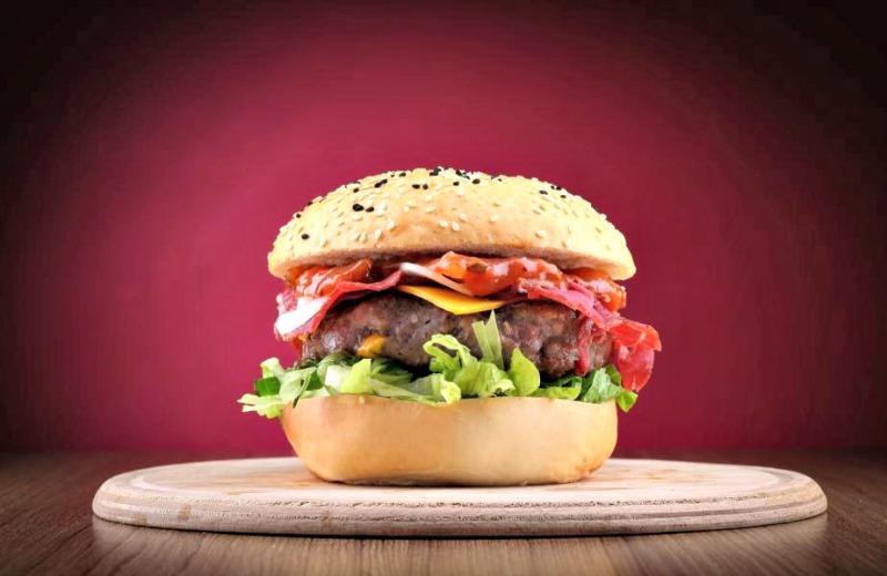 16- Pastırmalı Burger