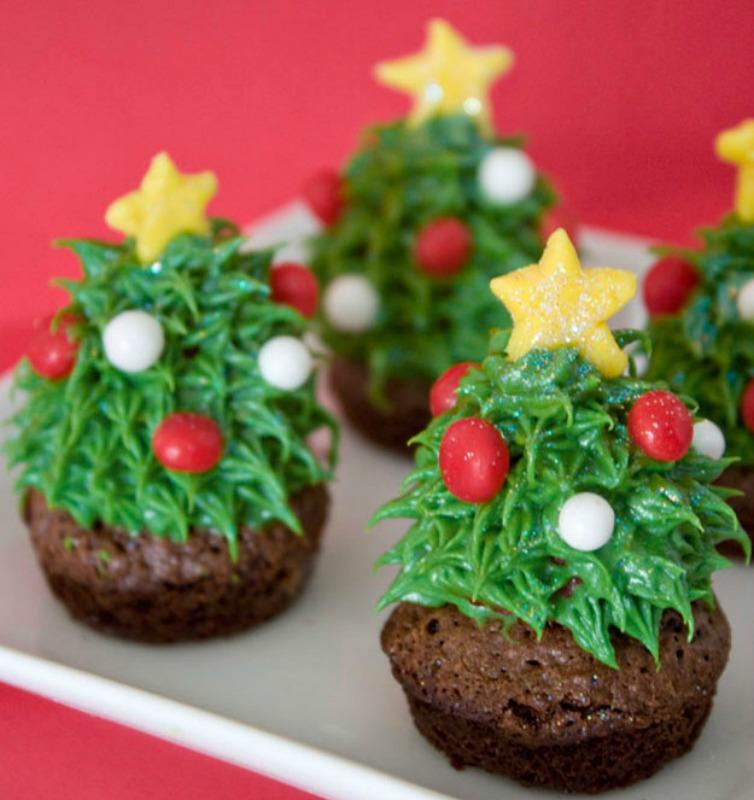 1- Cupcake Yılbaşı Ağacı