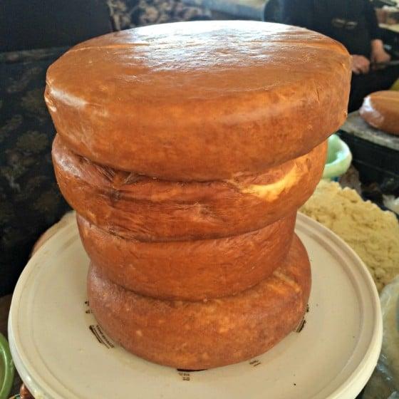 5-Sulguni-peynir-batum