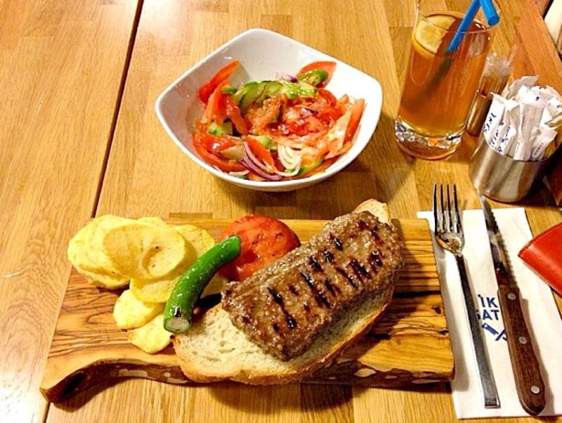 7-iki-satir-steakhouse