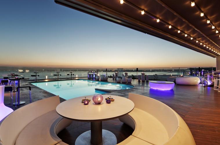 DoubleTree-Moda-Terrace-Pool-759x500