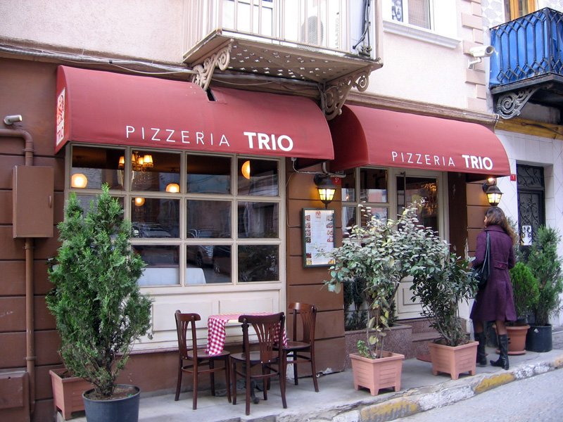 Beyoğlunda Pizza Nerede Yenir Pizzeria Trio Beyoğlu Istanbul