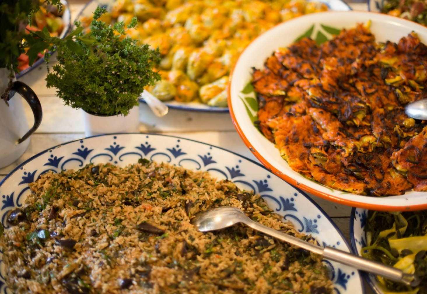 Asma Yaprağı mekanından zeytinyağlı tabağı
