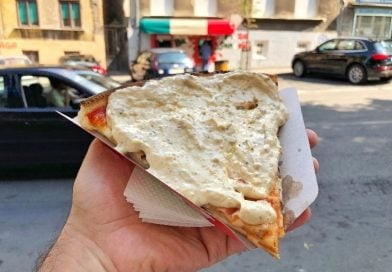 Belgrad'da En İyi Soslu Pizza Nerede Yenir? Bucko, Pizza Sandviç, Belgrad, Sırbistan