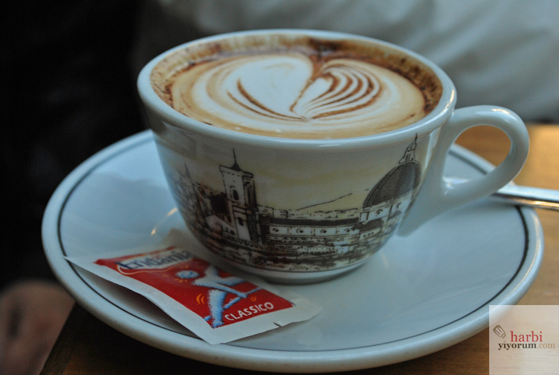 Duomo'nun Dibinde Nerede Kahve İçilir? Cafe De La Paix, Floransa, İtalya
