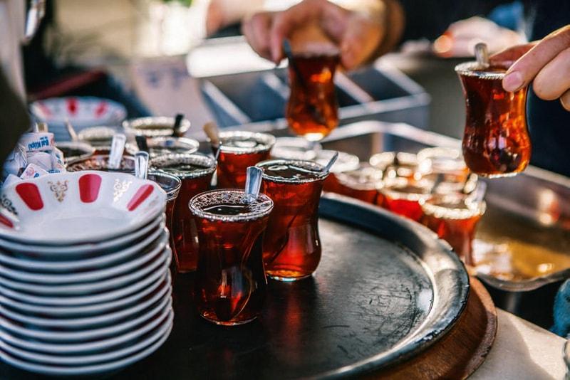 sıcak türk çayı