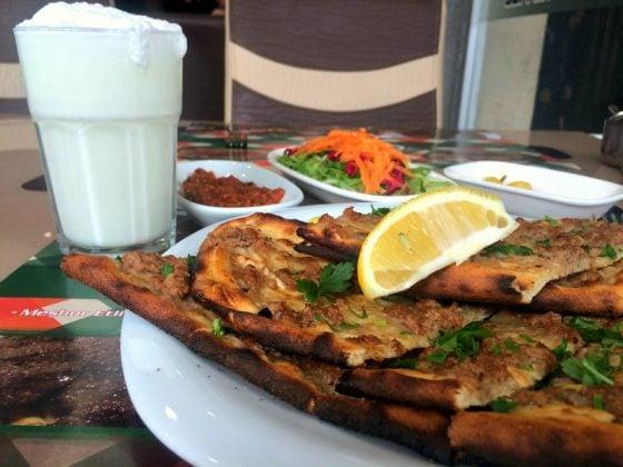 Sivas'ta Etli Ekmek Nerede Yenir?