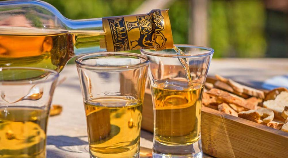 Gürcistan Ulusal içkisi ChaCha Nedir?