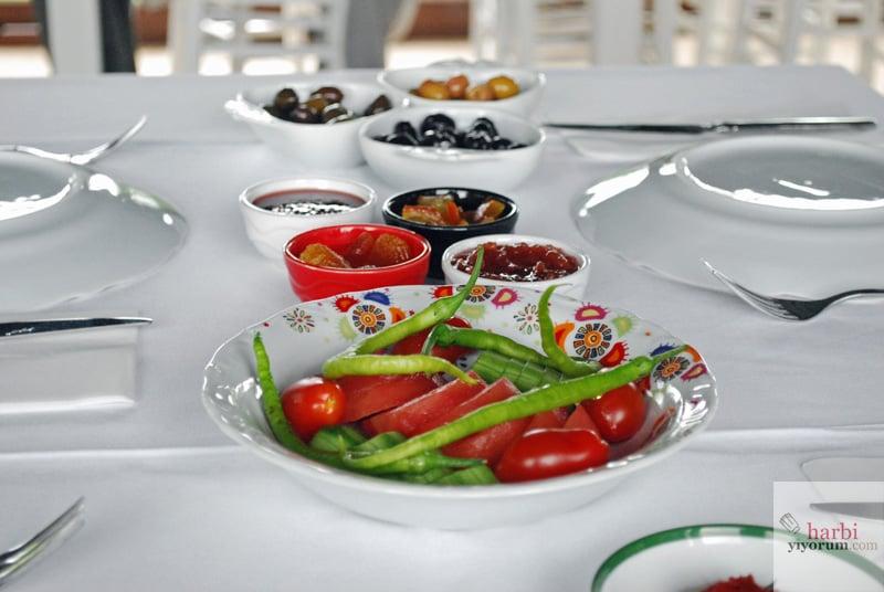 irmak-bag-evi-pansiyon-bozcaada-kahvalti