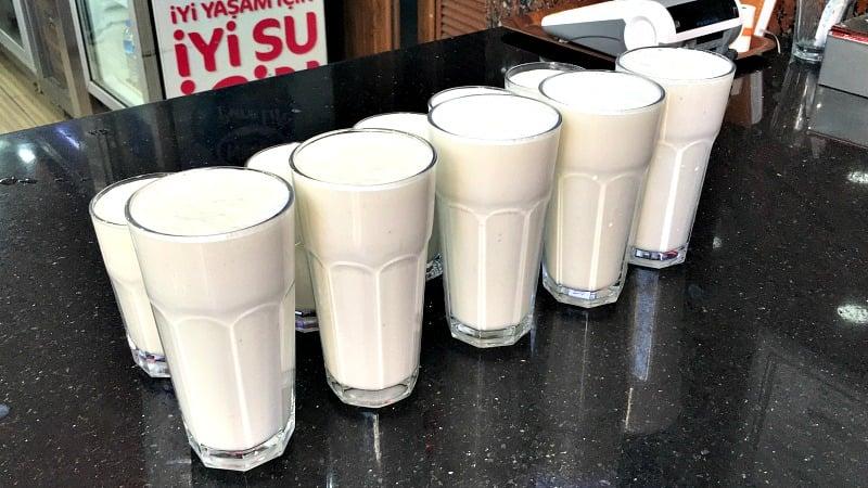 Adana'da Muzlu Süt Nerede İçilir? Kazım Büfe, Adana