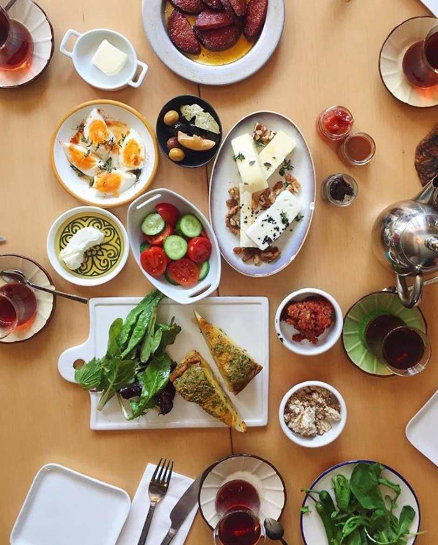 Naan Bakeshop kahvaltı görseli