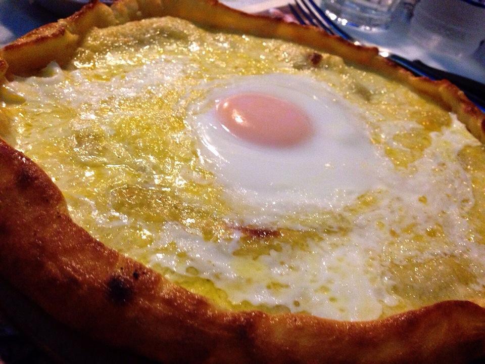peynirli-yumurtali-pide-yerinde-pide