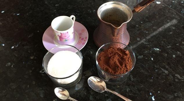 şekerli türk kahvesi