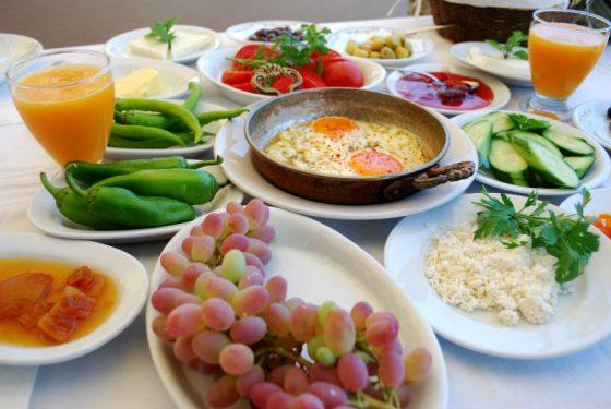 Serpme Kahvaltı, Zeytin Altı, Yalıkavak, Bodrum
