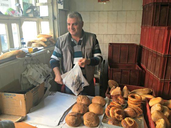 Cunda'da ekmek nereden alınır? Cumhuriyet Fırını, Sezgin abi