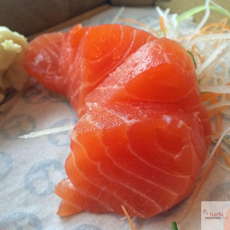 somon-sashimi-dardenia-fish-sushi
