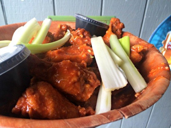 soslu-tavuk-kanatlari-sharkys-wings-and-raw-clifton-01